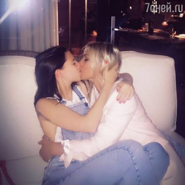 Ирину Салтыкову осудили за снимок поцелуя с дочкой