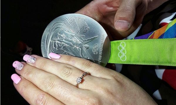 Русский гимнаст после победы в Рио сделал любимой предложение!