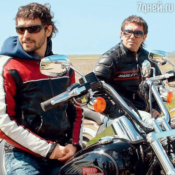 Братья Кристовские: «Езда на мотоцикле в Москве похожа на игру «попробуй выжить»
