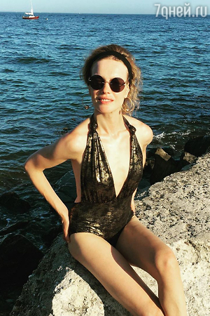 Наталья Водянова напугала поклонников снимком в купальнике