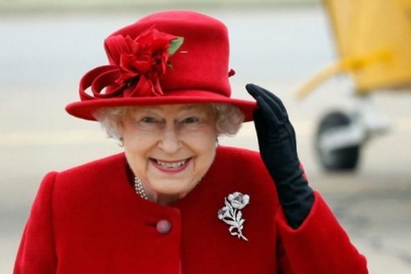 Елизавете II срочно требуется экономка