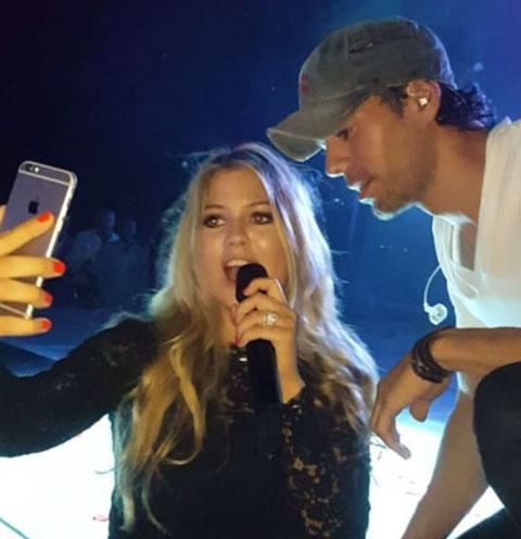 Дочь жены Стаса Михайлова спела дуэтом с Энрике Иглесиасом