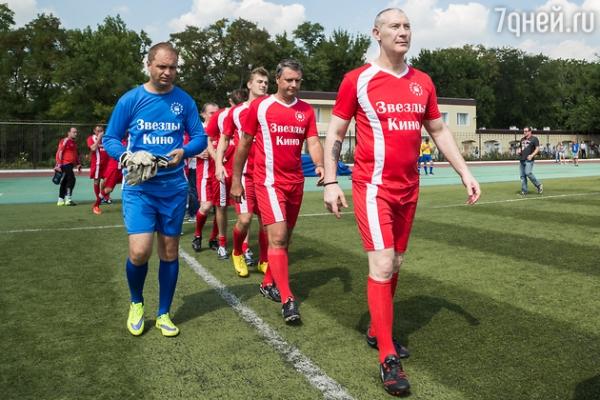 Алексей Воробьев отметил День кино на футбольном поле