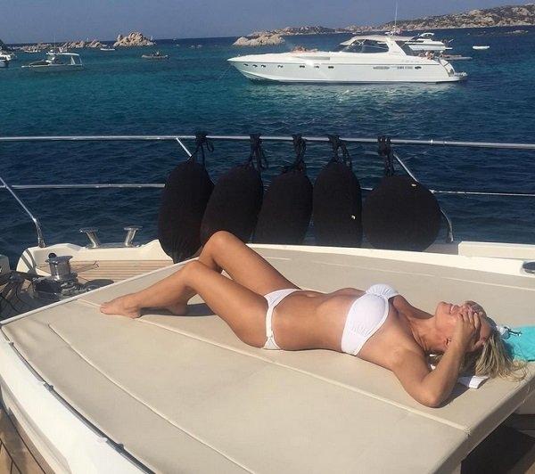 Ирина Салтыкова показала, как выглядит её 50-летнее тело в бикини