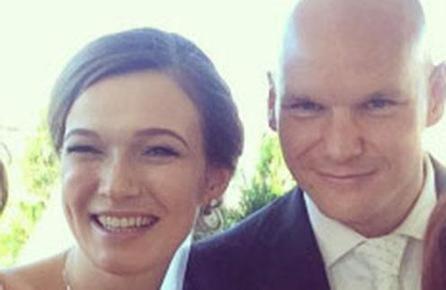 Олимпиец Евгений Коротышкин женился на беременной невесте
