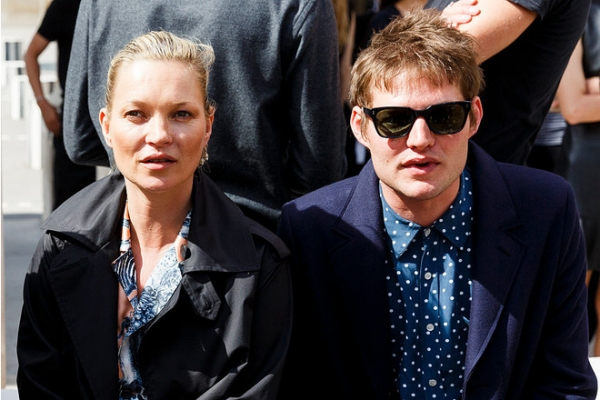 Кейт Мосс выходит замуж, хотя еще не разведена