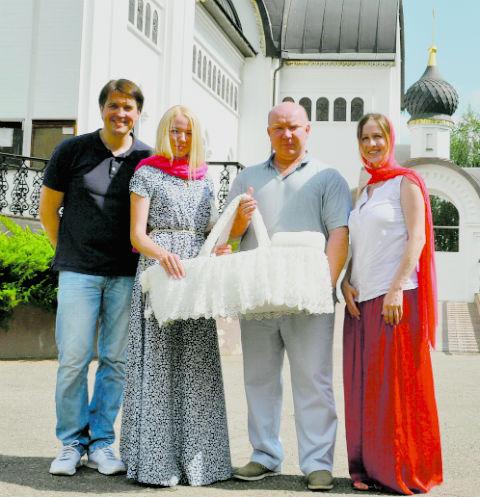 Денис Матросов закатил барбекю-пати в честь наследника