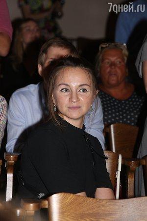 Паулина Андреева и Константин Хабенский вышли на работу