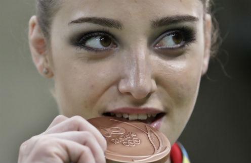 Россияне восхищены триумфом Алии Мустафиной в Рио
