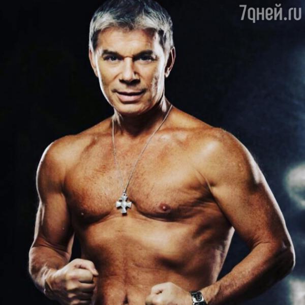 Олега Газманова обокрали во время отдыха с семьей