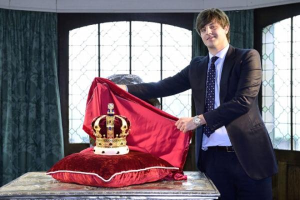 Наши идут: британский принц женится на русской