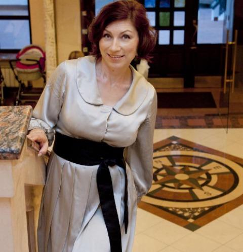 54-летняя Роза Сябитова показала шикарные формы в бикини