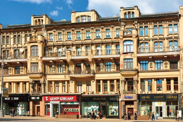 Данила Козловский снял для любимой шикарное жилье