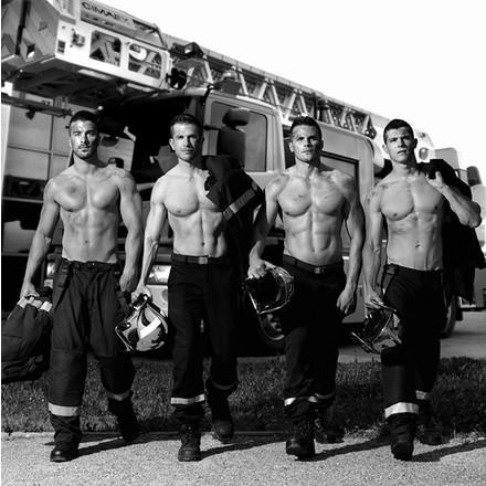 Душа пылает и горит: фото из нового календаря пожарных