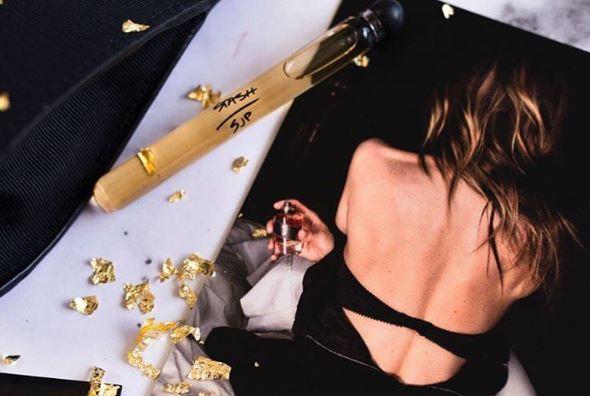 Сара Джессика Паркер выпустит коллекцию маленьких черных платьев
