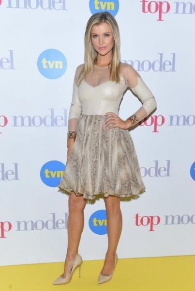 Джоанна Крупа выбрала неудачный наряд для открытия сезона Top Model