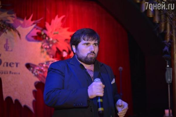 ВИДЕО: Григорий Лепс отпраздновал юбилей в караоке-баре