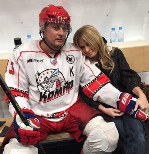 Дана Борисова выбрала судьбу подруги хоккеиста