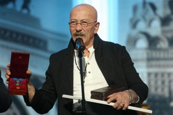 Александр Розенбаум получил высшую награду Петербурга