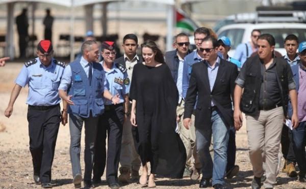 Анджелина Джоли посетила лагерь сирийских беженцев