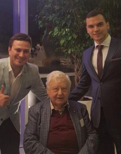 Максим Матвеев пришел на открытие новой «Табакерки» без Лизы Боярской