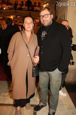 Пореченков и Ефремов с женами пришли ночью в ГУМ