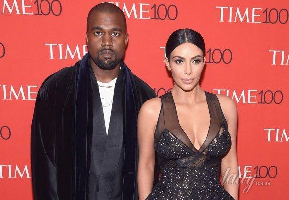Ким Кардашьян и Канье Уэст шокировали интернет селфи в туалете