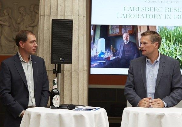 Годовщину своего полета космонавты Волков и Могенсен отметили на пивоварне Carlsberg