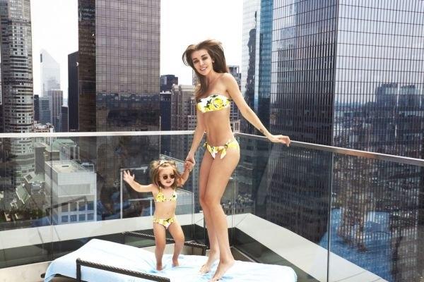 Дарья Коновалова с дочкой отдохнула в компании журнала Hello