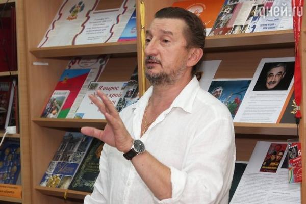 Александр Панкратов-Черный сменил прописку