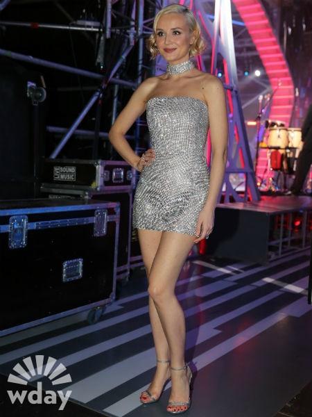 Гагарина в мини-платье произвела фурор на «Новой волне»