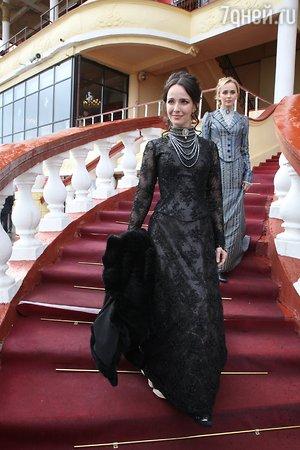 Екатерина Гусева спела на ипподроме