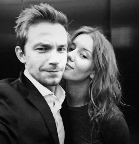 Александр Петров размышляет о помолвке с любимой