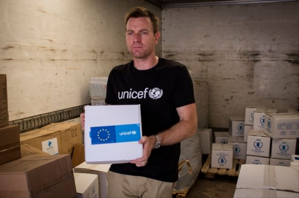 Юэна МакГрегора наградят за помощь детям Ирака и Сирии