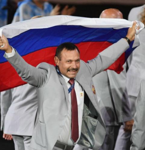 Пронесший российский флаг в Рио Андрей Фомочкин стал героем дня