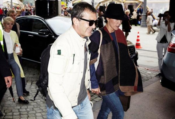 Антонио Бандерас прилетел в Москву: первые фото