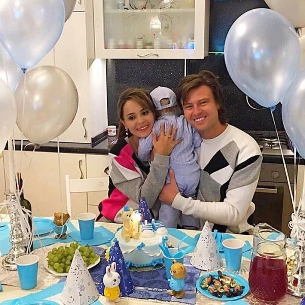 Мать певца Прохора Шаляпина хочет, чтобы сын побил Анну Калашникову