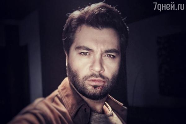 Алексею Чумакову разбили лицо
