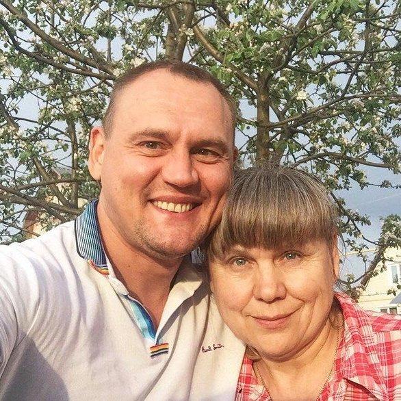 Степан Меньщиков отправляет отца в дом престарелых