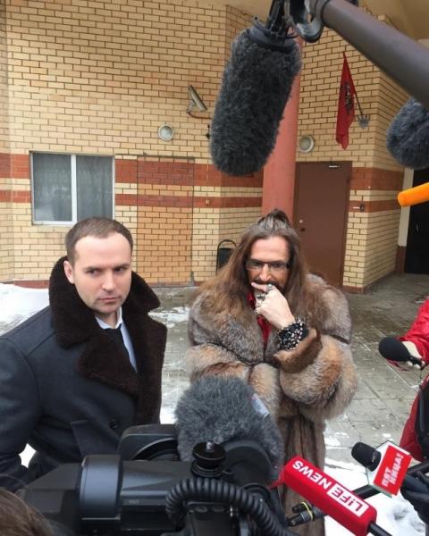 Адвокат Марины Анисиной не согласен участвовать в петушиных боях с Джигурдой