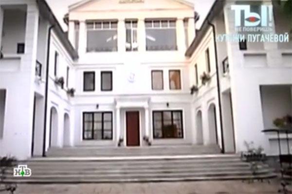 Никита Пресняков устраивает вечеринки в доме Пугачевой