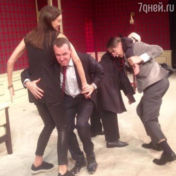 Игорь Верник удивил провокационным снимком с невестой Бондарчука