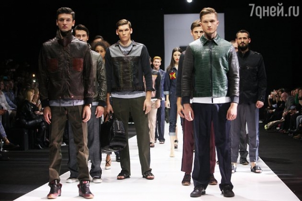 Прохор Шаляпин засветился на модном показе с новой девушкой