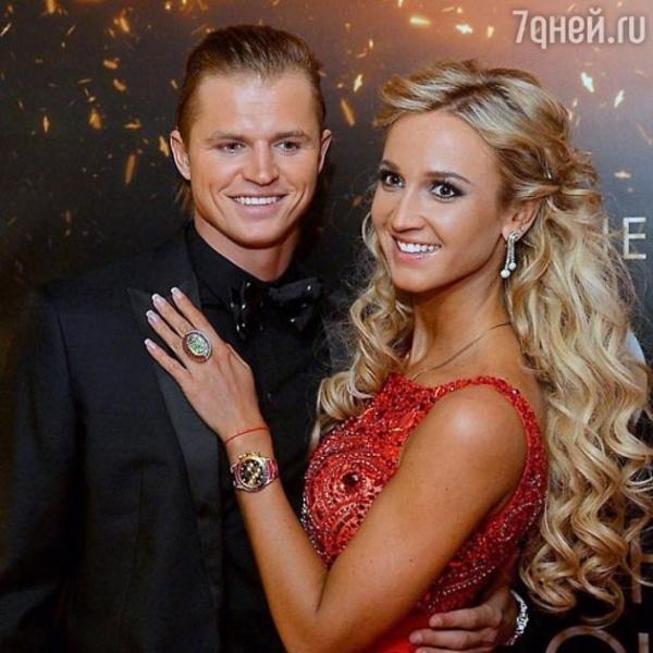 В СМИ бурно обсуждают развод Бузовой и Тарасова