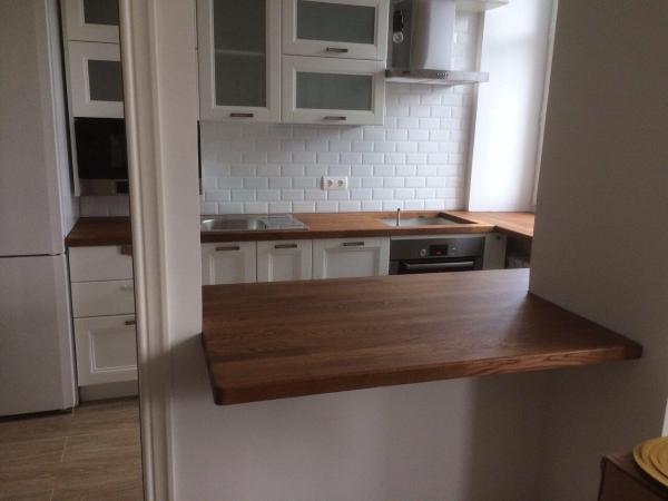 Натуральная древесина— лучший материал для столешницы