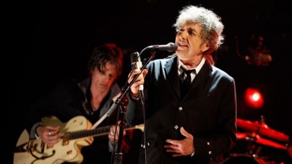 Боб Дилан отреагировал на получение Нобелевской премии