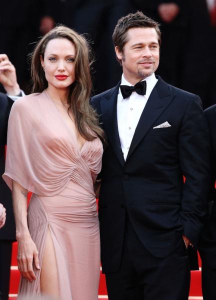 Анджелина Джоли может лишиться единоличной опеки над детьми — утверждают СМИ