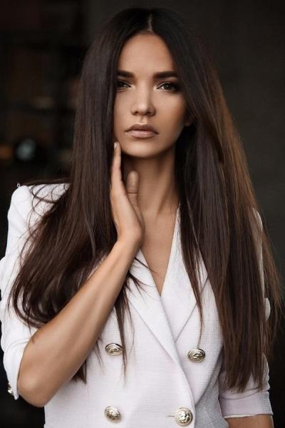 Аделина Шарипова стала «девушкой месяца» по мнению мужчин GQ
