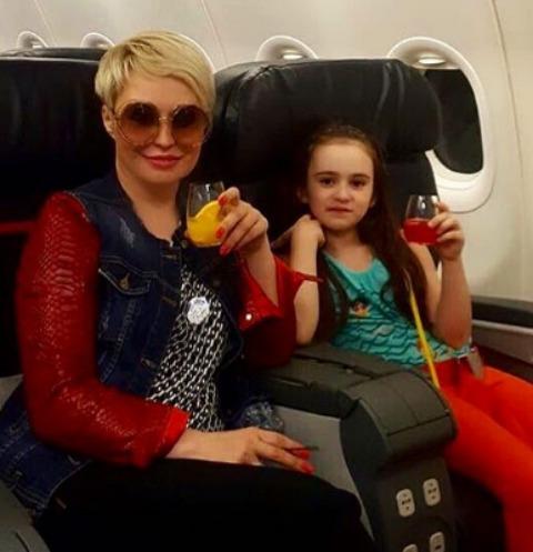 Катя Лель опасается за жизнь дочери из-за маньяка