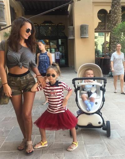 Инна Жиркова и Виктория Лопырева зажигают в Эмиратах